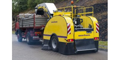BRODD Europa - Heavy Duty Sweeper with 80 km/h Transport Speed