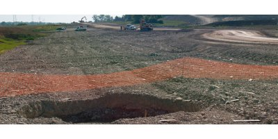 Geotextiles solutions for reinforced embankments areas