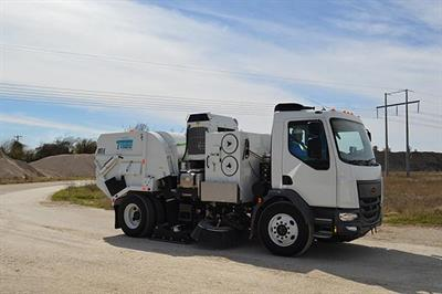TYMCO - Model DST-6 - Dustless Street Sweeper