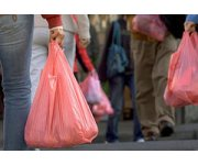 EU restricts the use of plastic bags to protect the environment