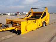 Rockland Beach King - Model II - Beach Cleaning Machine