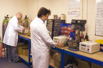 Cambridge Sensotec Rapidox Gas Analyser Production