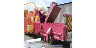 Model 5025 - Big Foot Baler