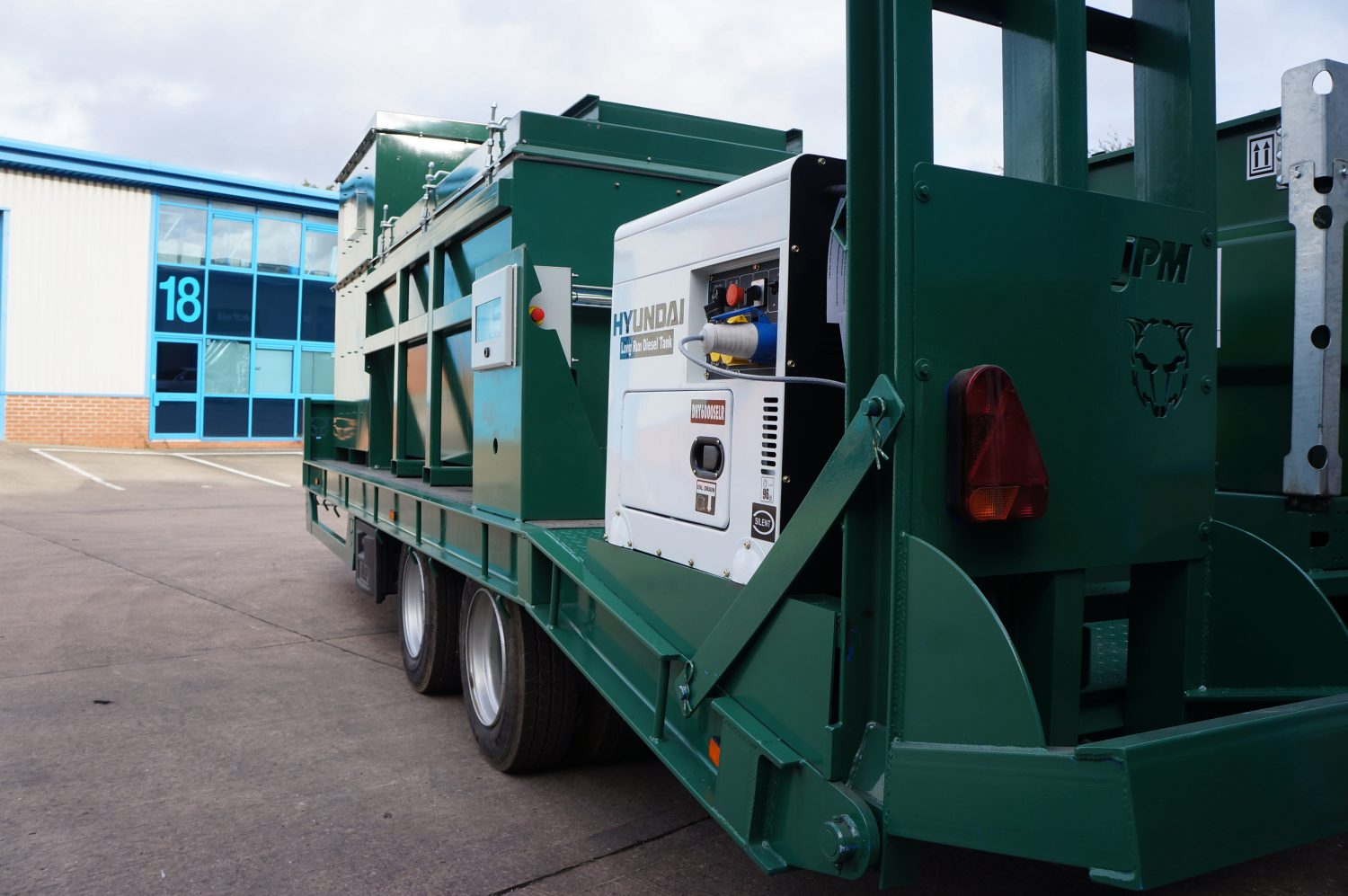 Large Trailer Mounted Mobile Incinerators-2