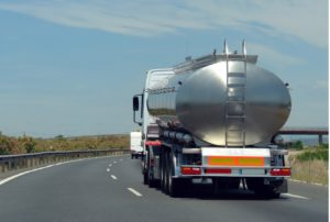 3 Easy Steps to Clean Your Tank Truck