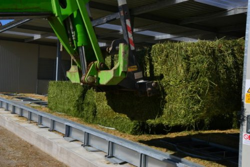 Compact Hay Dryer With 56 Round/Square Bales – Biogas