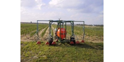 Pulled Row-Sprayer