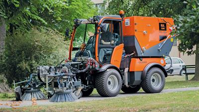 Model SX 1200 - Sweeper-Suction Combination