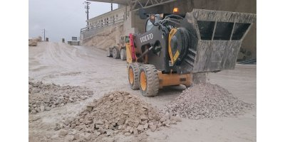 Jaw bucket crushers for urban job site and road works