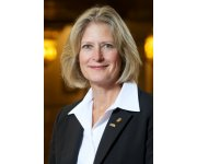 Brenda Lennox of Washington takes gavel as AWWA president