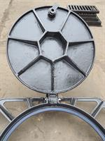 Model 850x850 - Hot sales  ductile iron manhole cover